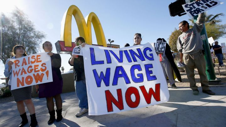 635514973686700009-AP-Fast-Food-Protests